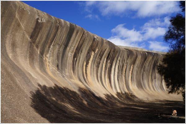 【澳洲】西南澳。Day10 波浪岩(WAVE ROCK),大自然的鬼斧神工