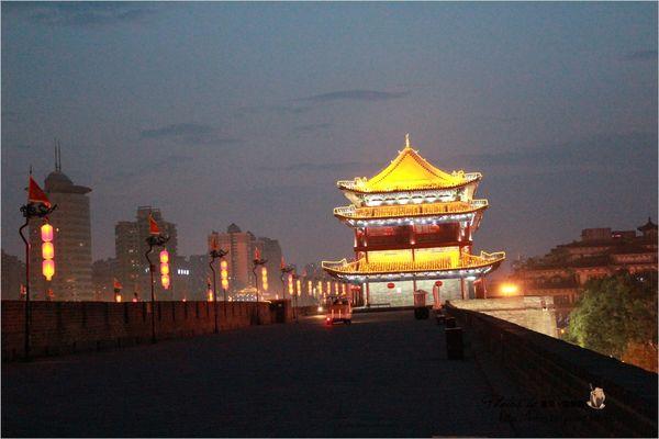 【中國西北】西安。Day14-2 城內城外差很大的西安城牆 & 無緣的單車。