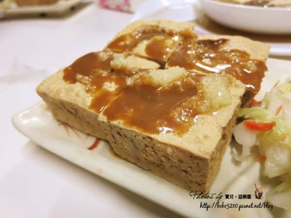 【食記】宜蘭美食。在地人帶路!羅東夜市附近超好吃的財記港式臭豆腐,吃過一次就上癮~