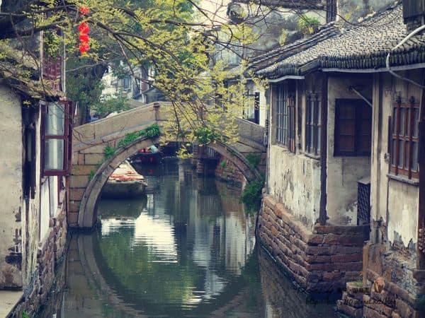 【2015 中國江南】夢迴水鄉,周莊古鎮。走進煙雨江南裡,我們一起畫船聽雨眠。