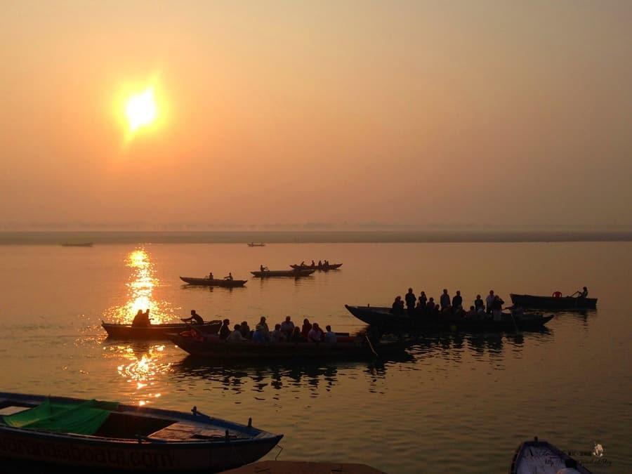 【北印度旅行】Day14 瓦拉納西Varanasi。日出恆河,看印度縮影。