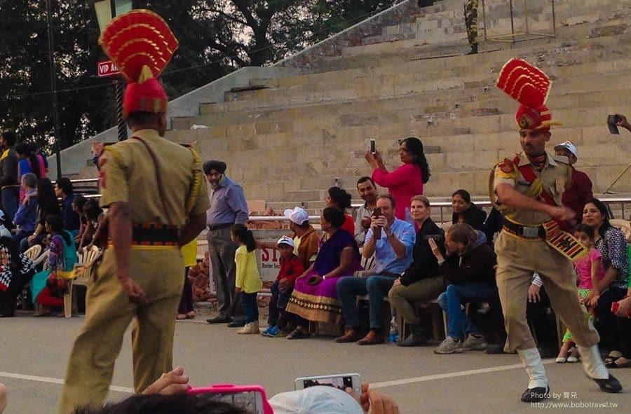 【印度。旁遮普邦】Day27-2 阿姆利澤Amritsar。來去印巴邊境,看全世界最浮誇的降旗儀式。